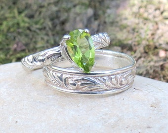 Peridot Ring Engagement Ring Pear shaped Ring Promise Ring Solitaire Ring Diamond Alternative August Birthstone Ring Gift for Her Leaf Ring