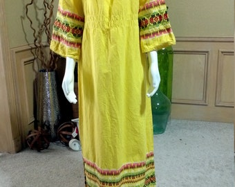 MexicanYucatan Geometric CrossStic Embroidered Hippie Boho Ethnic Yellow  Slouchy dress Mayan Heavily Embroidered Dress Huipil Lace trim S/M