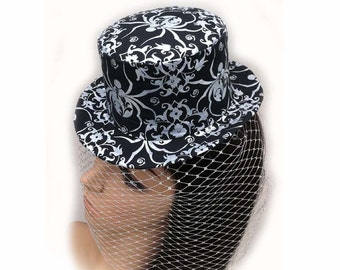 Metallic Silver Spider Small Traditional Top Hat with French Metallic Silver Birdcage Veil