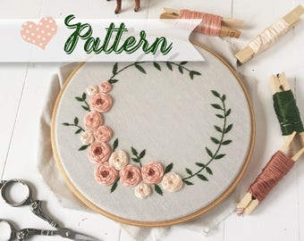 Flourishing Crown digital hand-embroidery pattern