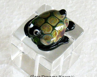 Glass Sea Turtle Bead, Hawaii Handmade Lampwork Turtle (Honu), Glass Turtle Focal Bead, Tiny Handmade Glass Sculpture Bead