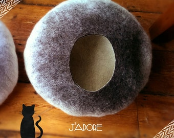 Cat Cave/ cat bed- handmade felt- The Siamese - S,M,L + free felted balls