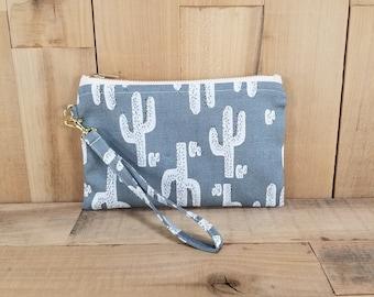 Cactus Wristlet, Cactus Bag, Wristlet, Cactus Clutch, Wristlet Wallet, Monogrammed Wristlet, Clutch, Gift for Her, Gift for Mom, Travel Bag
