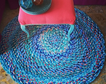 Round rug | braided rug | handmade rug | boho rug | blue rug | turquoise rug | beachy rug | custom made rug | crochet rug | area rug |
