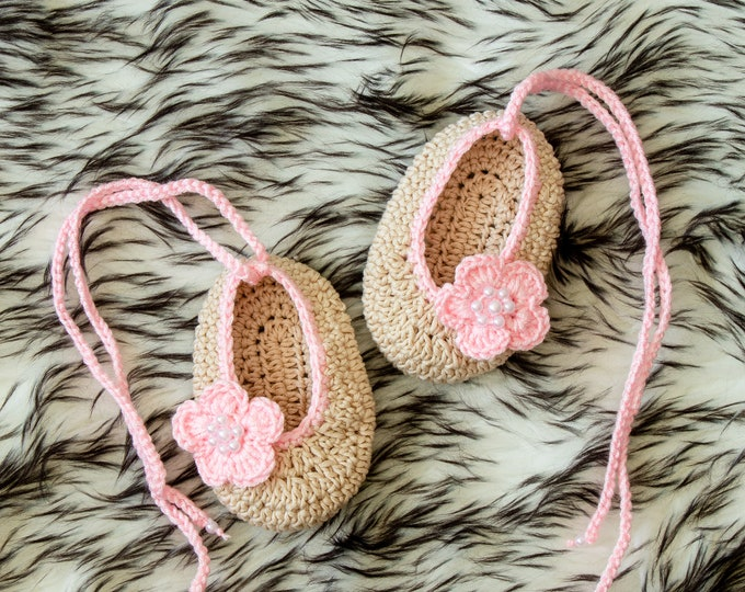 Baby girl shoes - Crochet ballet flats - Flower shoes - Preemie shoes - Ballet shoes - Mary Janes - Newborn shoes - Crochet shoes- Baby gift