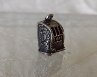 Sterling Silver Vintage Las Vegas Slot Machine Jewelry Charm Estate Find