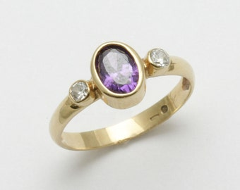 Vintage 14k yellow gold Amethyst Cubic Zirconia Bezel 3 stone ring purple Estate