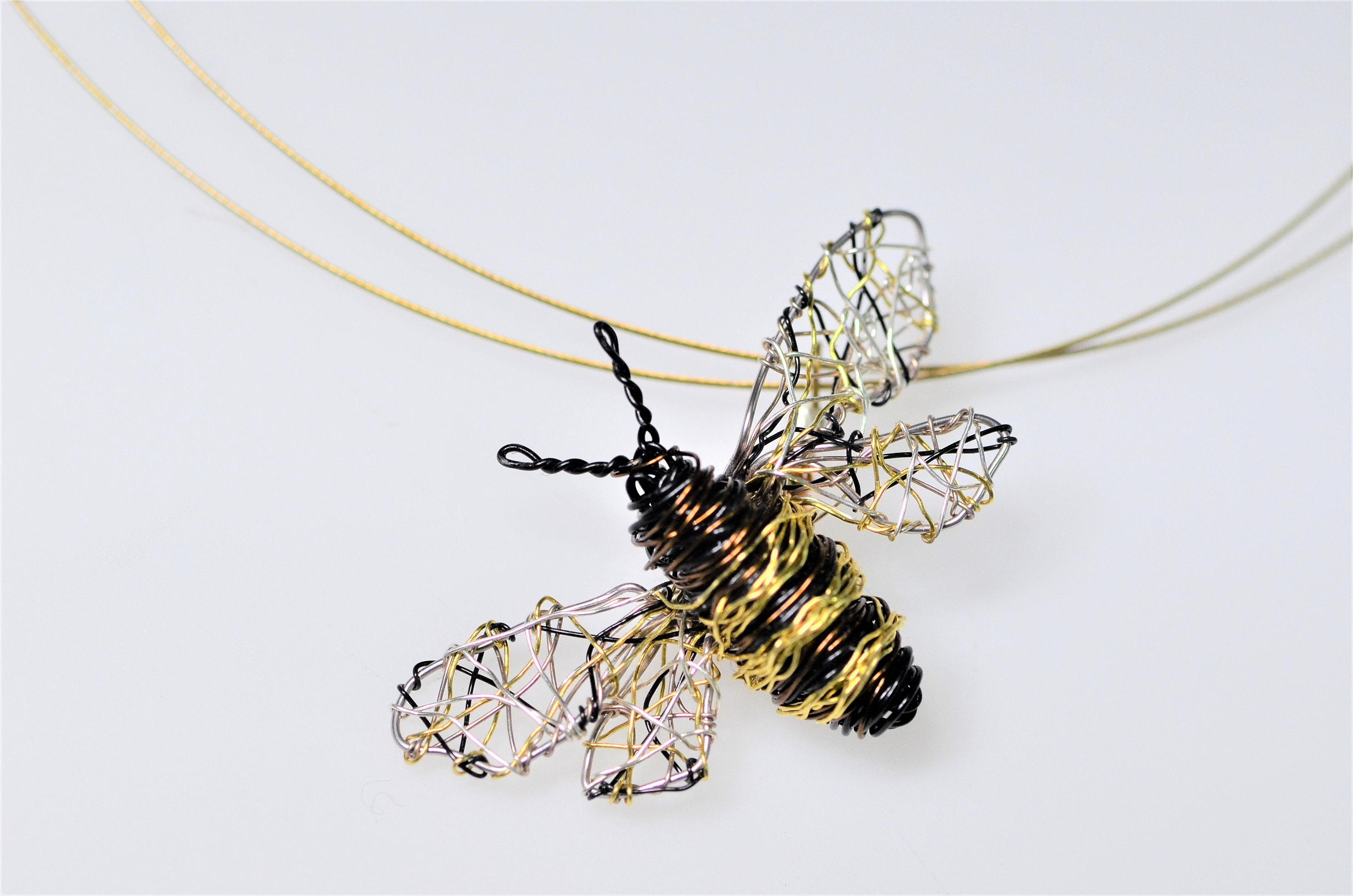 honey necklace bee close olivia pendant products up cocomi burtonhoneycomb honeycomb gold