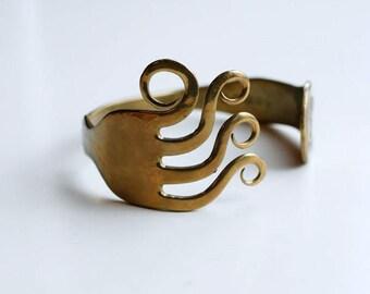1980s brass fork cuff / 80s vintage British silverware handmade fork bracelet unisex