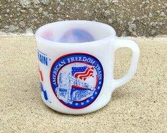 Vintage Bicentennial American Freedom Train Glass Mug