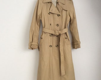 70s vintage Trench coat in soft beige leather size 44