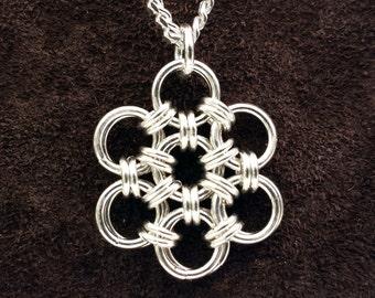 Hana Gusari Snowflake Chainmail Pendant