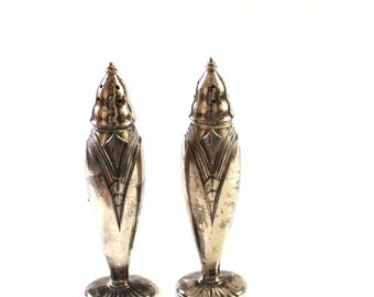 vintage art deco salt and pepper shaker set . tall silver salt & pepper shakers