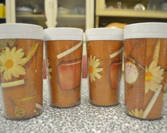 Vintage plastic drinking glasses caravan australian Newlyne retro kitchen picnic DBt2