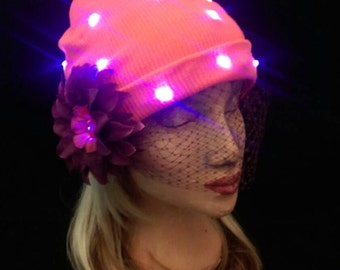 Light-up beanie in Orange and Purple