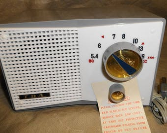 1960s Tempest AM Tube Radio. Electric Plug In. MINT and works