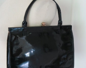 Patent hand bag from the 50s  or 60s