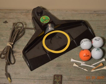 Electric Golf Practice Putter Returner 60's ,4 Golf Balls,wood tee,  vintage golfing supplies  Office Golf Game,model 1902