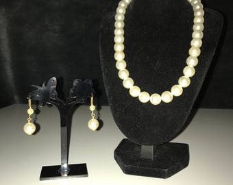 Shell pearl necklace and earring set