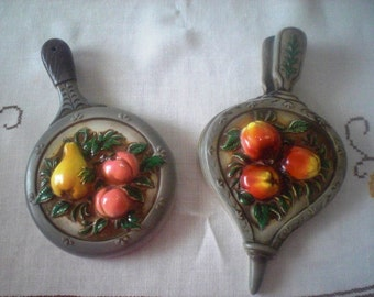 Ceramic Kitchen Wall Hangers Bellows and Fry Pan