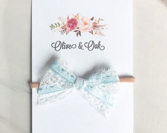 HANDTIED- Lace baby blue