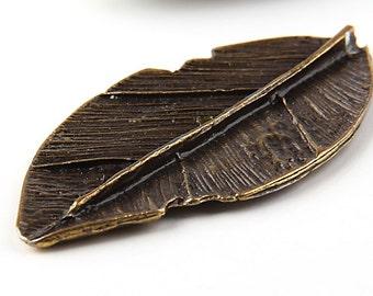 Antique Bronze Leaf Pendant, 1 piece // ABP-034