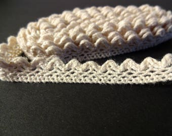Beige zigzag lace Ribbon (1, 5 m) - sewing - crafting (C)