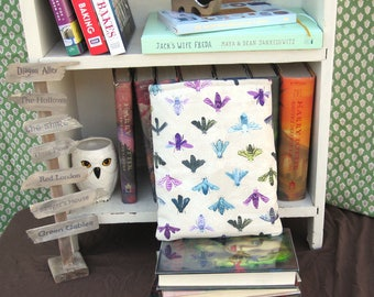 MAXI BOOK SLEEVE- Colorful Bees - Book Pouch, Book Protector