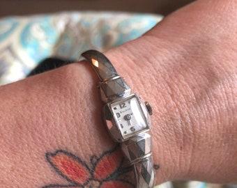 Vintage ladies 10k gold filled bulova watch