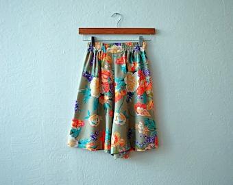 80s Botanical Print High Waisted Shorts
