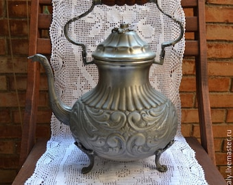 Vintage Pewter Teapot/Antique Italian Teapot/Country Decor/Italian pewter/Pewter Teapot/Pewter Pitcher/Italian Antique.