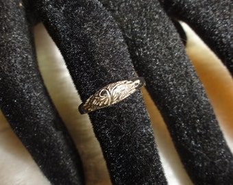 Early Hand Chased Sterling Silver Petite Dome Ring Unsigned Unmarked Size 6.25