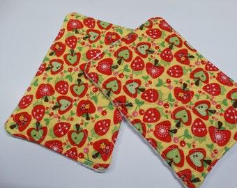 Set of 2 - Kitchen Unsponge -  Washcloth - Reuseable - 100% cotton - Eco Friendly - Large - Yellow - Apples