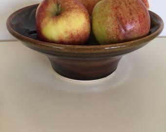 Serving bowl /fruit bowl