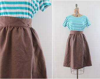 high waist wrap skirt - size medium - vintage brown skirt - 28 inch waist -  1970s 1980s - knee length - spring fashion