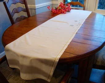 """Embroidered Table Runner Long Dresser Scarf Mantel Scarf 16"""" x 68"""" Vintage Table Linens"""