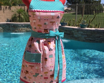 Sweet Cakes Sassy Apron, Womens Aprons, Misses and Plus Sizes,  Retro Style with Gathered Waist and Towel Loop, Kitchen Apron, Bake Shop
