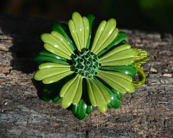 Vintage 60s Green Enamel Flower Power Brooch Pin