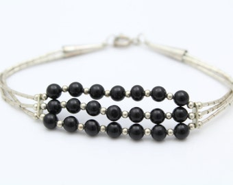 "Vintage Southwestern Liquid Silver Bracelet with Onyx Beads 7"". [8696]"