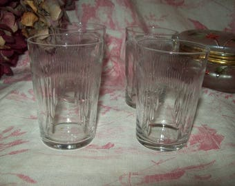 4 beautiful French vintage juice glasses cut Crystal art deco pattern.
