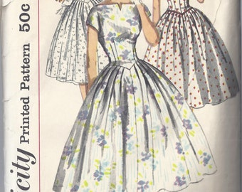 Simplicity 2023; ca. 1950's; Misses' Dress with fitted Bodice, Bateau neckline, Kimono sleeves, Full Skirt