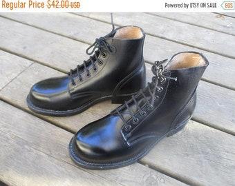 ON SALE Vintage Black Leather Steel Toed Military Boots / Leather Army Boots /  Black Combat Boots/ Women's Size 5