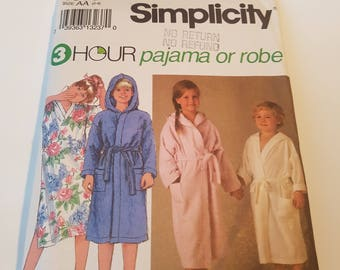 Vintage Simplicity sewing pattern 8090 Child's Pajamas in 2 Lengths, Nightshirt & Robe with Tie Belt in sizes 2, 3, 4