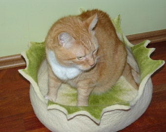 Felted Cat Bed / Cat House/ Dog bed  and GIFT