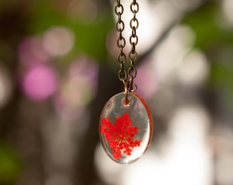 Pendant with dried herbage, nature flowers, resin jewelry, dried flower jewelry, keepsake set, dry flower beads, gift for her, dried herbage