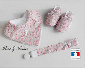 Box baby booties + bib + pacifier in true liberty Eloise