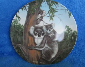 Vintage Collector Porcelain Plate Australian Koala Bears Sadako Mano