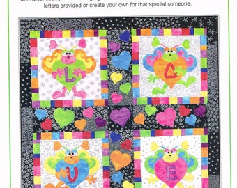 Love Bugs Wall Hanging Quilt Pattern - Hearts Quilt Pattern - Applique Quilt - Love Quilt Pattern - Linderella's Quilt Design