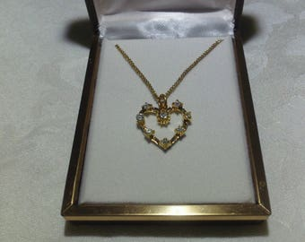 Vintage Gold & Rhinestone Heart Shaped Pendant Necklace (1960's)