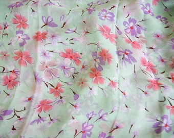 Scarf, shawl, scarf, shawl, chiffon veil, light, smooth textile, floral, coral and purple pattern on green background water, woman fashion accessory